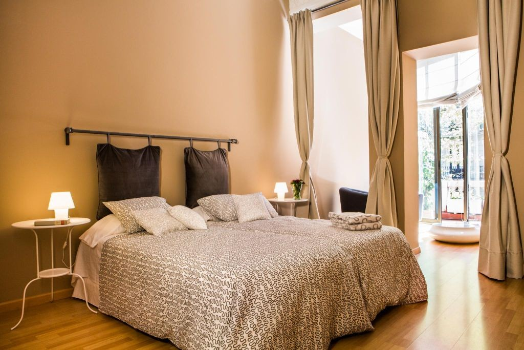 Habitaciones born barcelona hostel - Habitacion con tocador ...